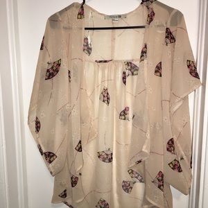 Tops - Forever 21 Cropped Kimono Style Swing Cardigan